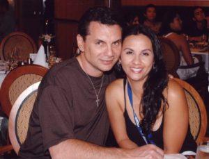Майкл Франзес со своей женой
