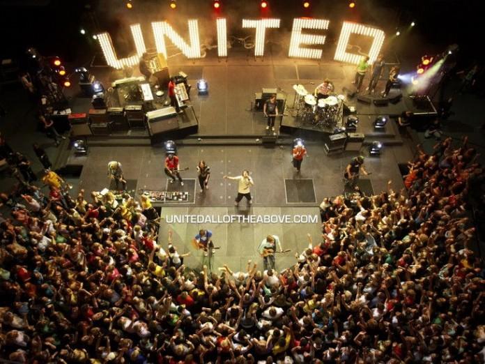 hillsong-united-vpervye-nominirovany-na-american-music-award