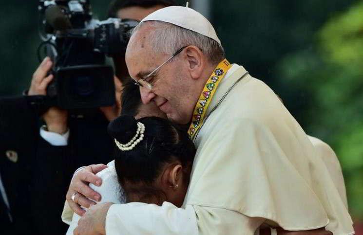 Девочка растрогала Папу Франциска своим вопросом