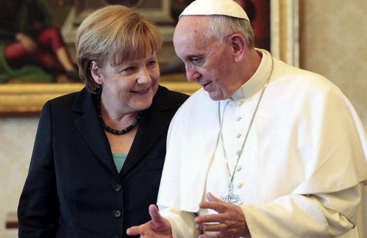 Ангела Меркель заявила о своей христианской вере