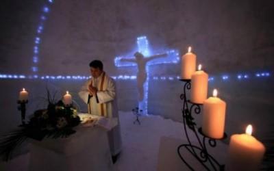 В Румынии открылась ледяная церковь1