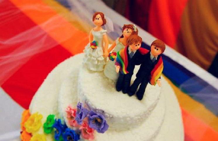 Католический священник отстранен за благословение венчания лесбийской пары - 316NEWS