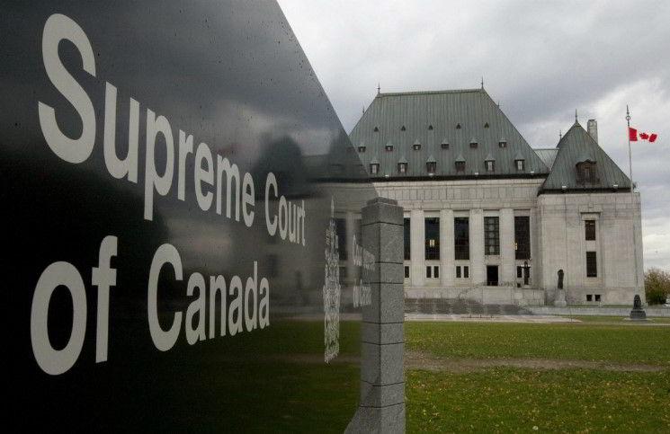 Из канадских судов исключают практику присяги на Библии