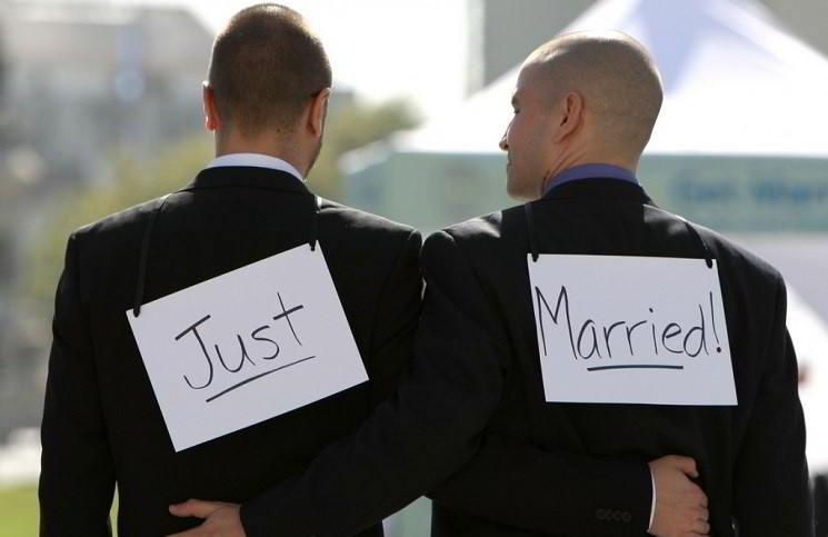Однополые браки теперь легальны и в Финляндии