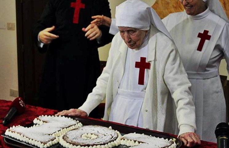 Самой старой в мире монахине исполнилось 108 лет - 316NEWS