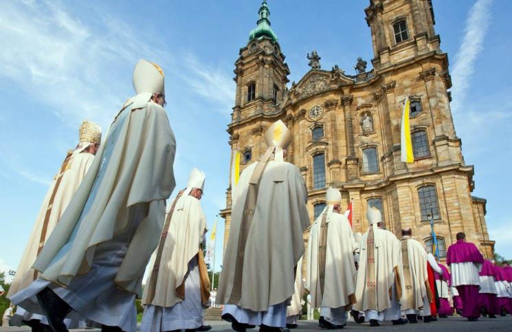Католики Германии борются за право выходного дня