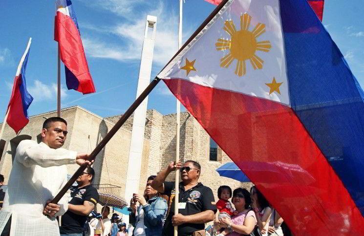 На Филиппинах перед церковью совершен теракт