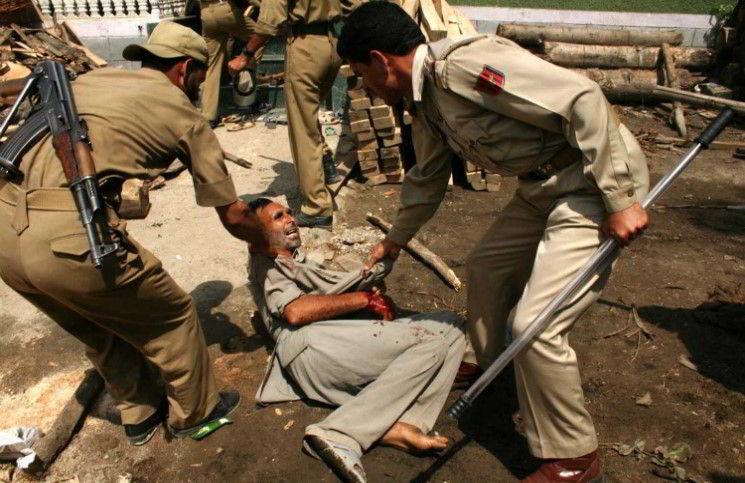 Полицейскии Индии избили 20 христианских миссионеров
