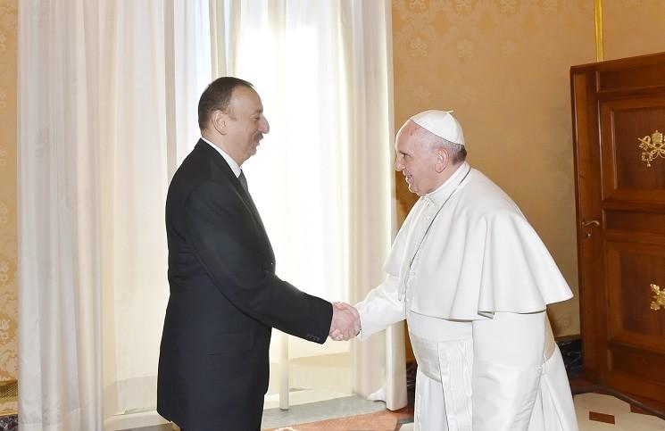 Папа Франциск встретился с президентом Азербайджана-min