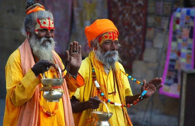 Власти Индии хотят запретить смену религии в стране