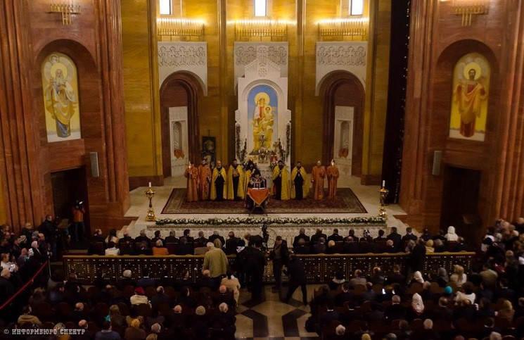 Епископ Сергей Ряховский Мы вместе с вами вспоминаем и чтим погибших в то трагическое время