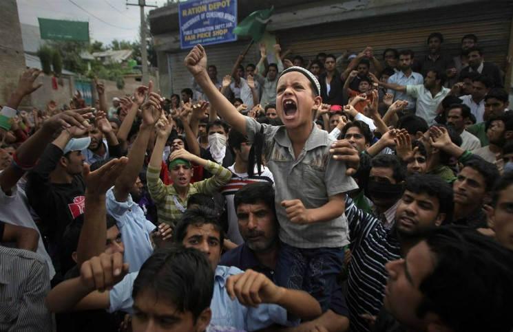 Индуисты атаковали две католические школы в Индии