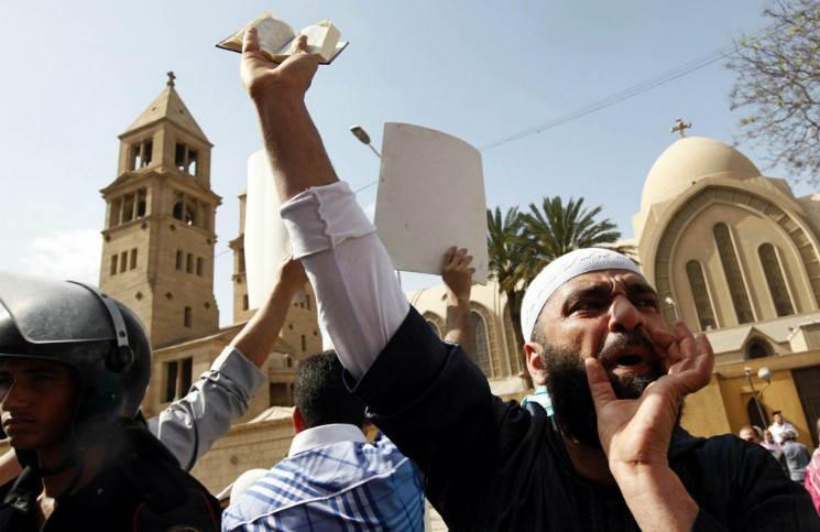 Мусульмане Малайзии вынудили христиан удалить крест с церкви