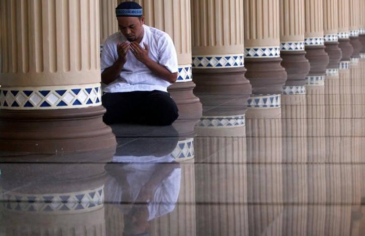Мусульмане помогают коптам построить новый храм
