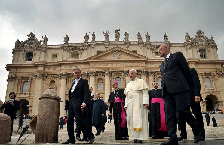 Папа Франциск встретился с семьей пакистанской христианки Асии Биби