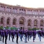 Флешмоб во спасение города 1001 церкви в Ереване1