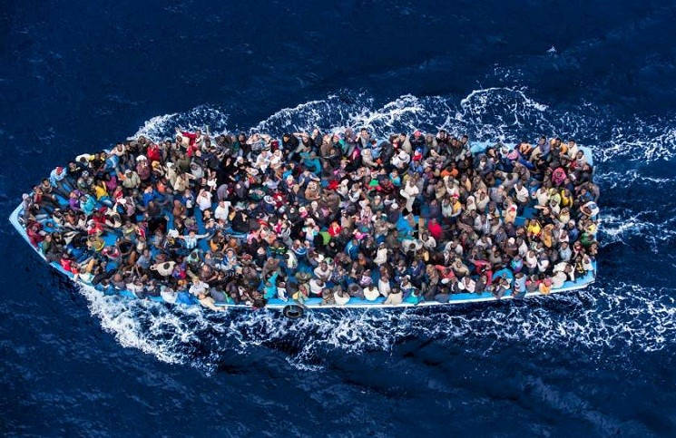 12 христиан были выброшены в море за их веру виновники задержаны