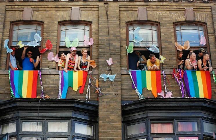 Когда бегство – это выход гей-парад в Латвии