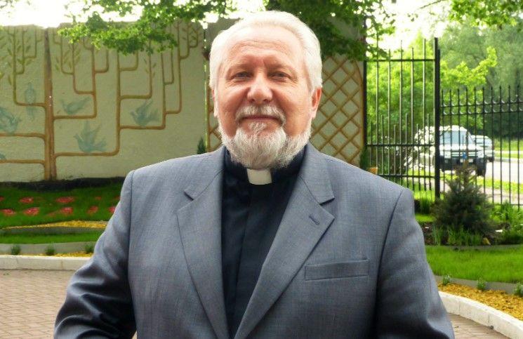 Глава РОСХВЕ поздравил верующих с Днем Пятидесятницы