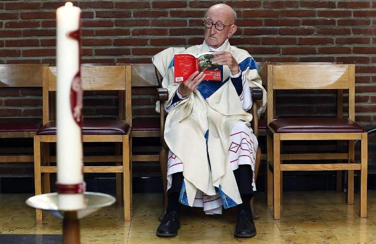105-летний пастырь продолжает служение в бельгийской церкви