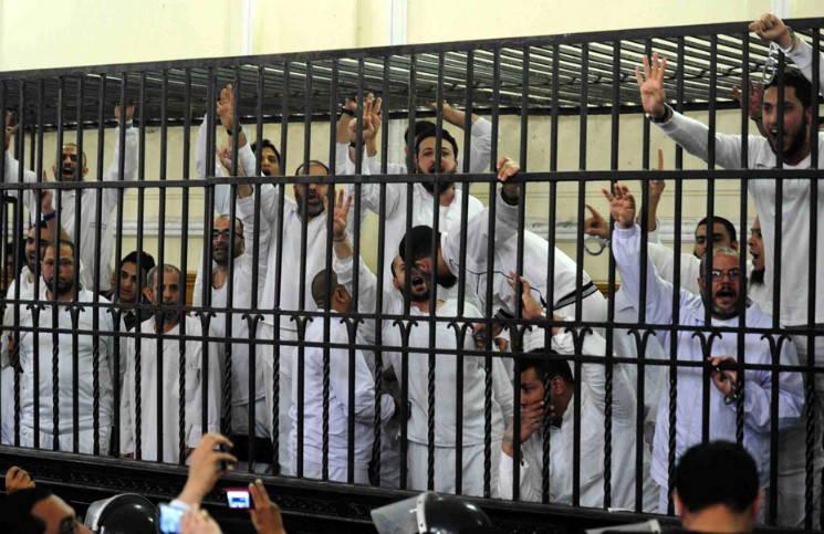 71 человек приговорены к смертной казни за сожжение храмов