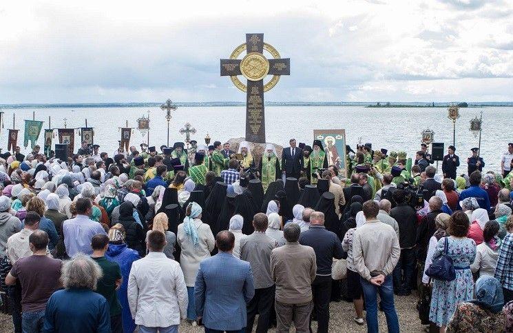 Крест в память о князе Владимире установлен в Ростове Великом