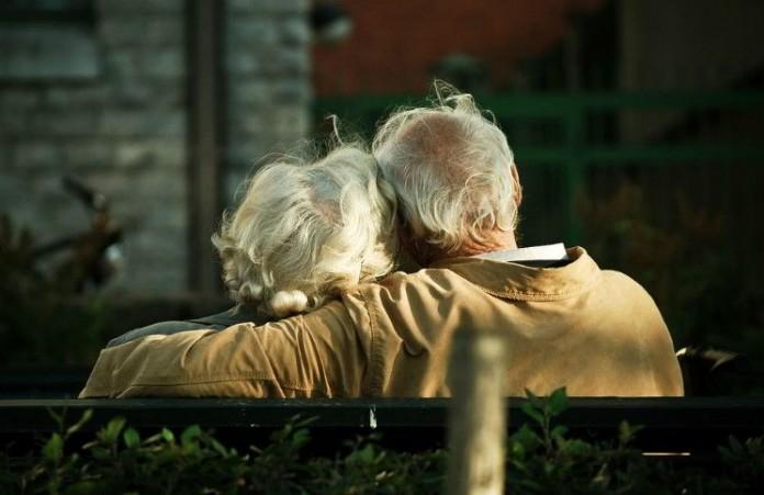 Пастор Том Холладей о 4 принципах вечной любви в браке