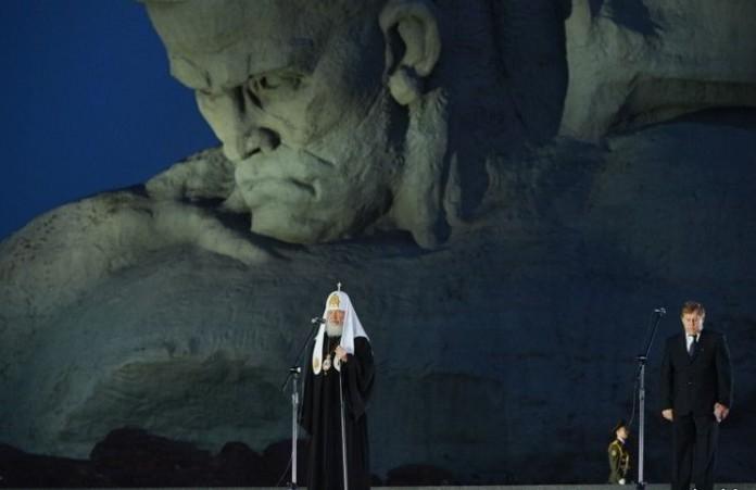 Патриарх Кирилл помолился за упокой героев Брестской крепости