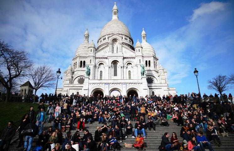 Французы против превращения христианских церквей в мечети