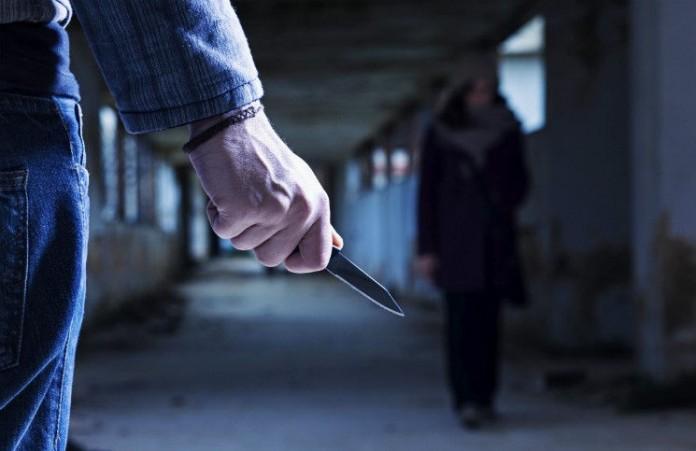 Десять человек с ножами напали на «Палатку чудес»