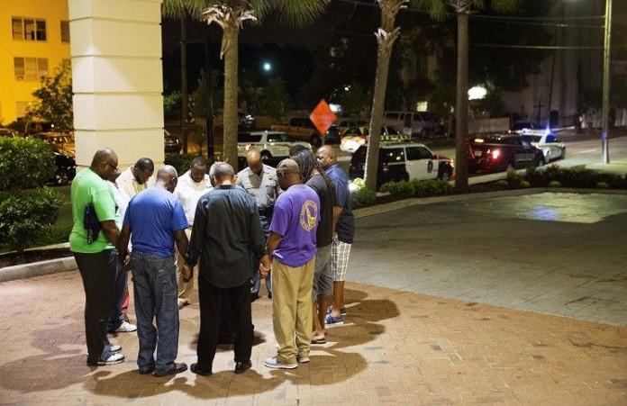 Мы должны объединиться в нашем горе: Рик Уоррен о стрельбе в Чарльстоне