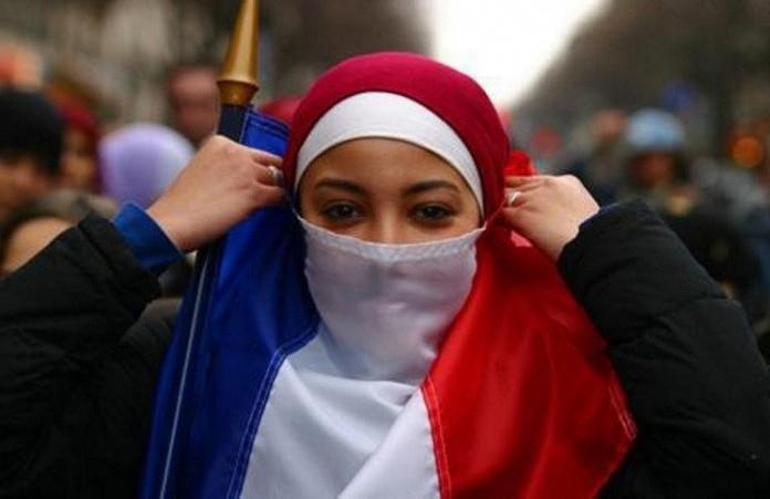 Париж: Решение осудьбехрамов повлияет и на президентские выборы