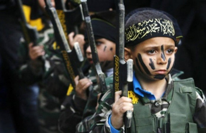 Военные лагеря для детей исламисты Конго тренируют джихадистов
