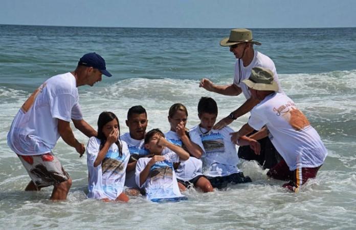 В США стартовало ежегодное мероприятие «Иисус на пляже»