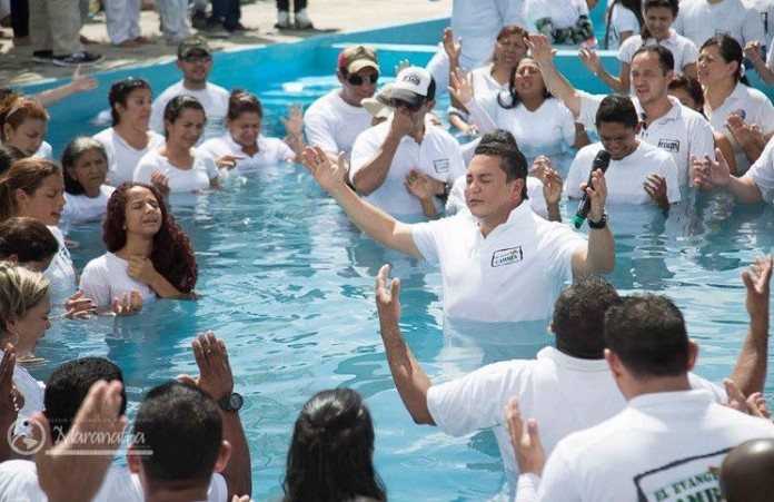 Более 5 тысяч человек приняли крещение в Венесуэле