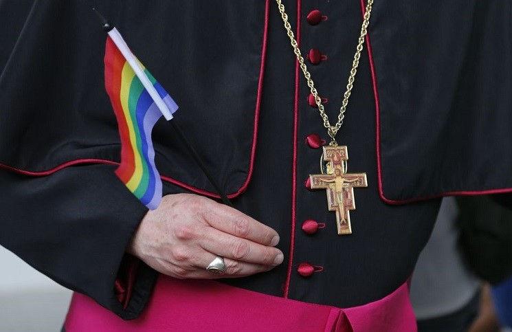 Епископальная церковь США одобрила гей - браки