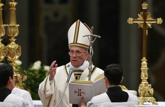 Папа Римский призвал молиться за Грецию