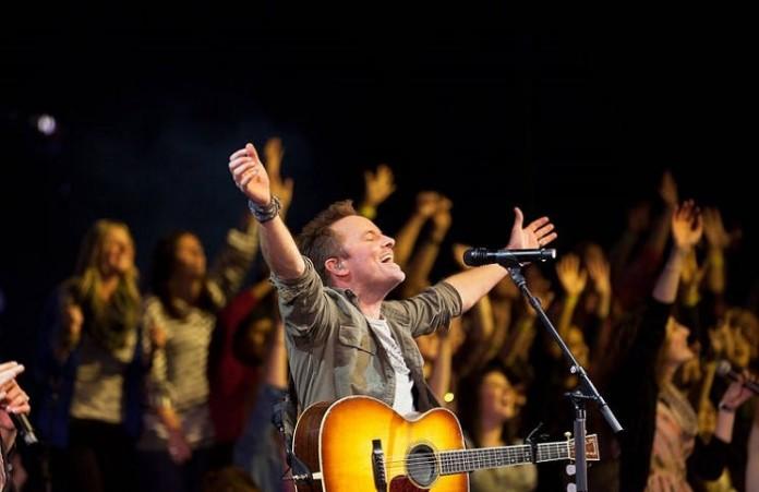 Вечер поклонения с Крисом Томлиным собрал аншлаг в Нью-Йорке