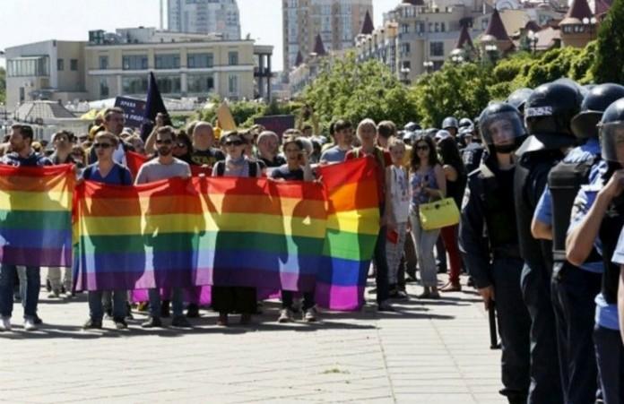 Христианские церкви требуют от властей отмену гей-парада в Одессе