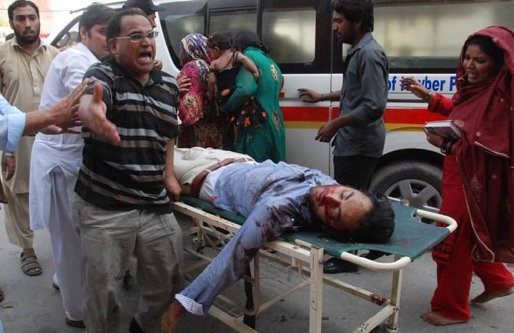 В Пакистане христианин был застрелен, защитив на улице девушек от нападения