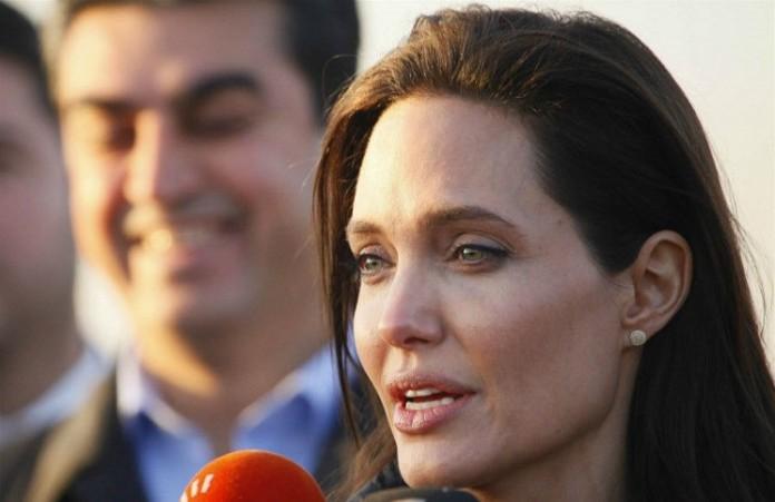 Анджелина Джоли призвала британский парламент остановить боевиков ИГ