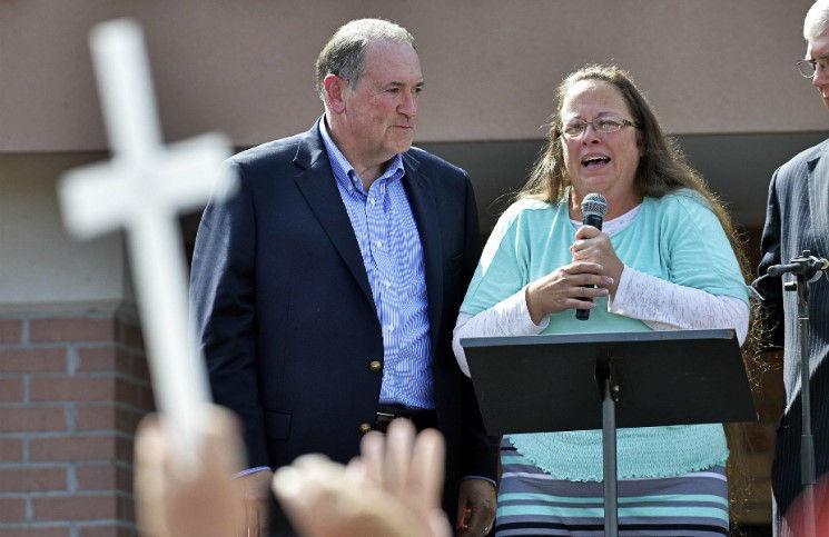 Ким Дэвис продолжает борьбу за отказ регистрации однополых браков