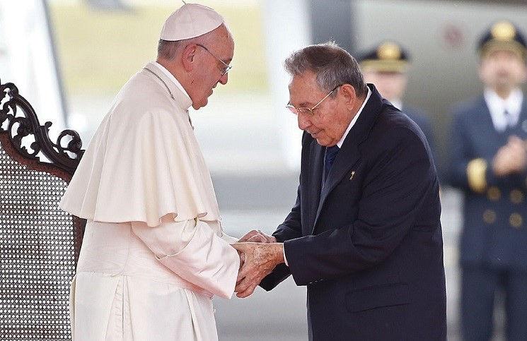 Папа Франциск прибыл на Кубу
