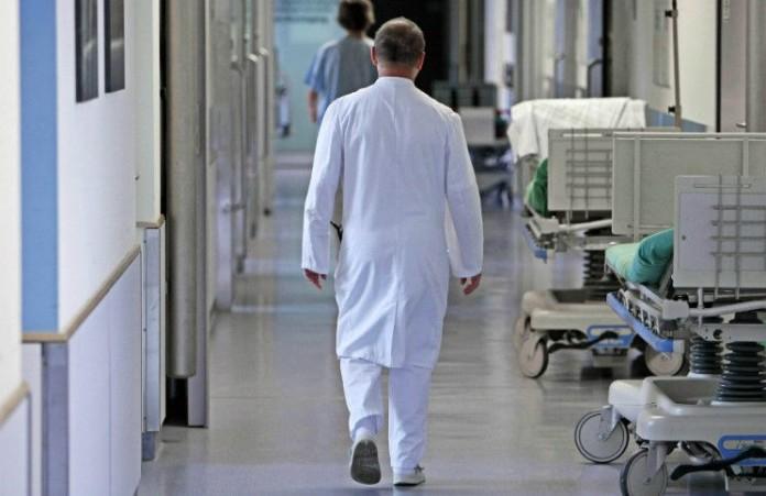 США Заслуженный врач уволен за отрицательное отношение к гомосексуализму