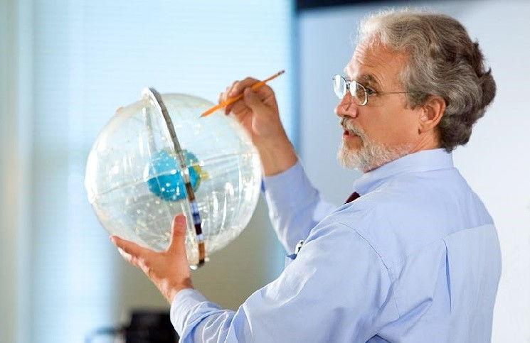 США профессор астрономии уволен за свою веру