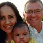 Семья миссонеров с чужим ребенком