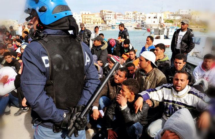 Террористы ИГ проникают в Европу вместе с беженцами