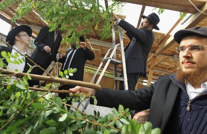 Иудеи отмечают Праздник кущей