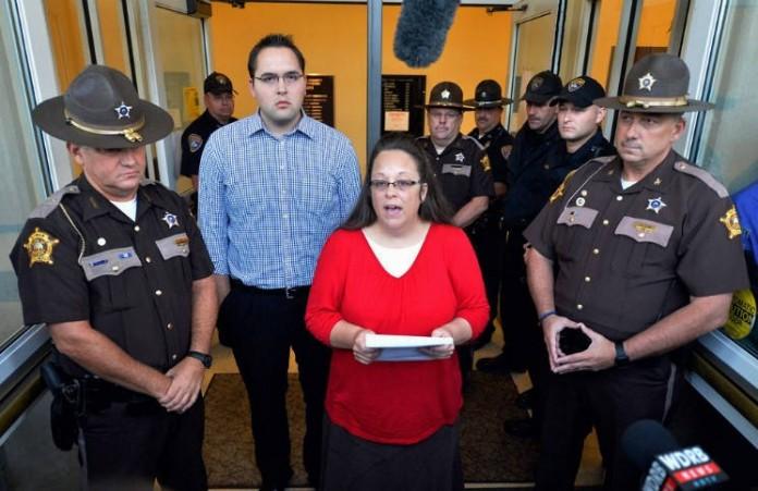 Ким Дэвис может вновь оказаться в тюрьме