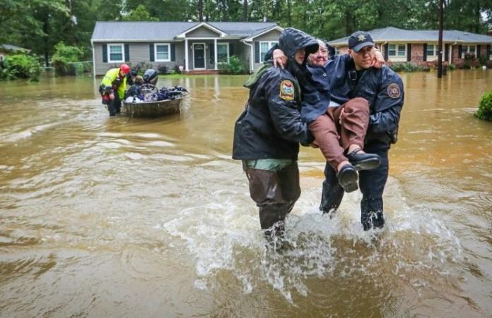 Крест спас семью жительницы Южной Каролины от наводнения